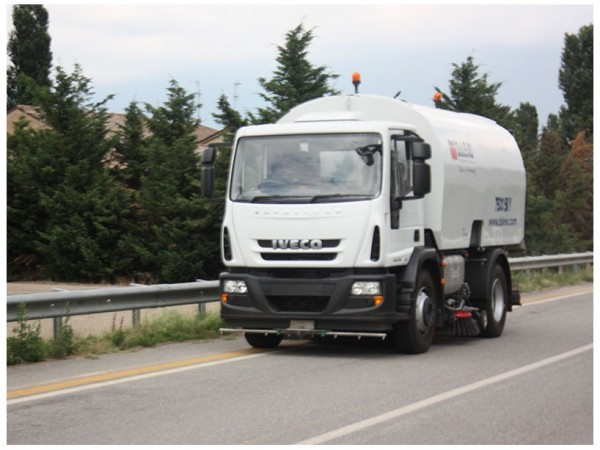 Diesel road sweeper DULEVO 7500 1