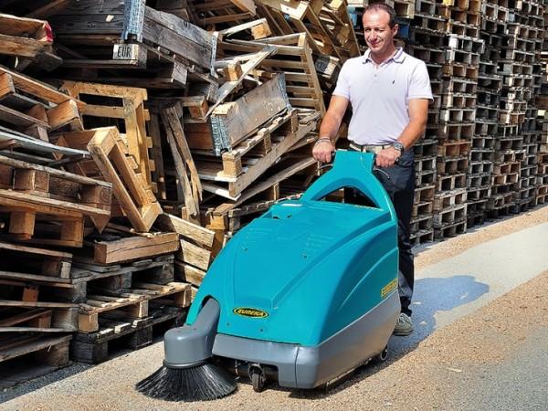 Walk-behind sweeper EUREKA Kobra 5