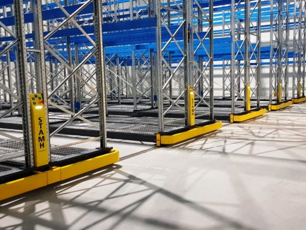 Mobile racking system 20