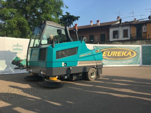 Ride-on sweeper EUREKA Bull 200 1