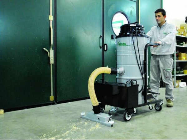 Battery industrial vacuum cleaners RGS 4