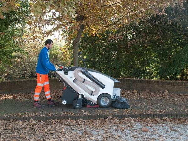 Electric street sweeper TSM ITALA 135 3