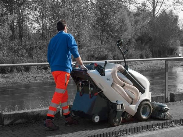 Electric street sweeper TSM ITALA 135 4