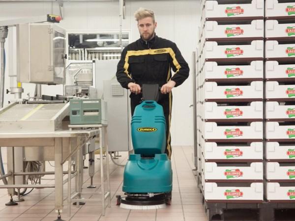 Walk-behind scrubber-dryer EUREKA E36 1