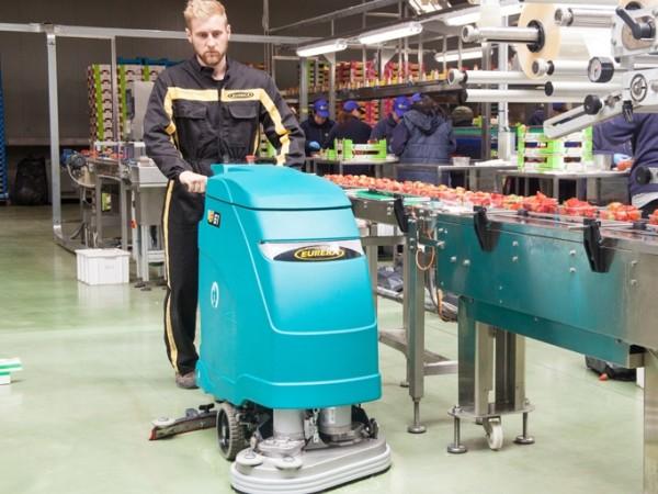Walk-behind scrubber-dryer EUREKA E51 E61 1
