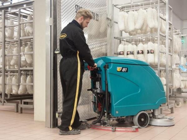 Walk-behind scrubber-dryer EUREKA E71 E81 1