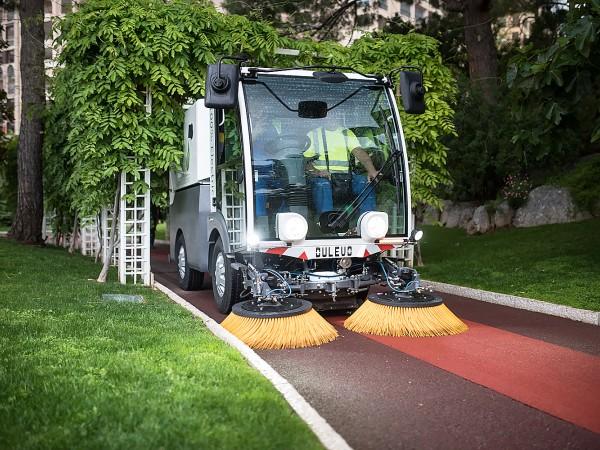 Electric street sweeper DULEVO D.ZERO2 7