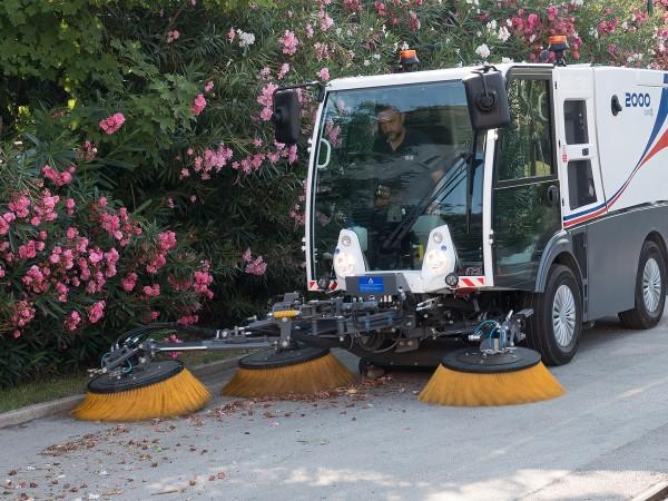 Diesel road sweeper DULEVO 2000 1