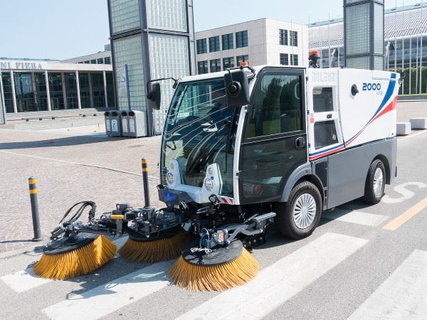 Diesel road sweeper DULEVO 2000 4