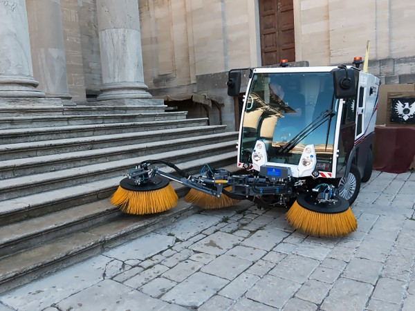 Diesel road sweeper DULEVO 2000 6
