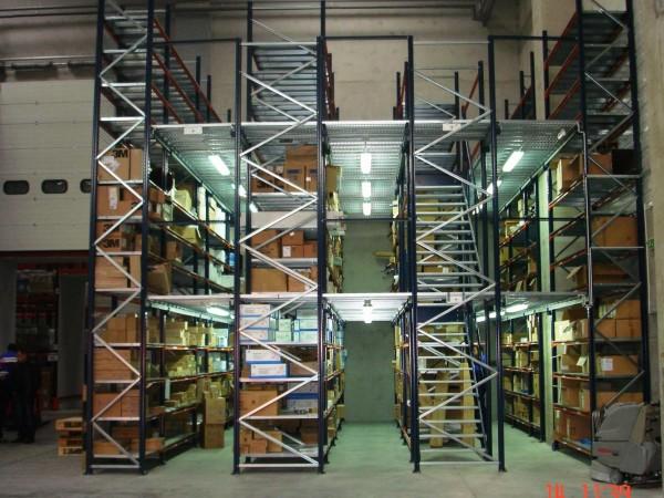 Gangway storage system 8